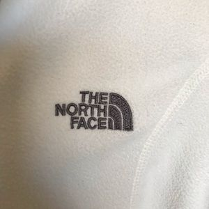 The North Face Sweaters - EUC The Northface White Pullover Sweater sz M